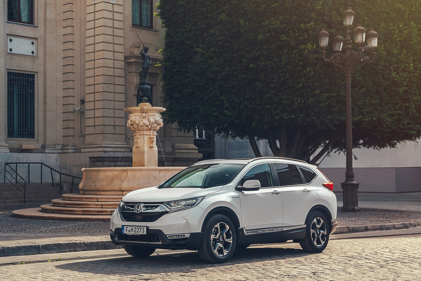 honda confirms economy and emissions data for cr v hybrid and announces key exhibits at the. Black Bedroom Furniture Sets. Home Design Ideas