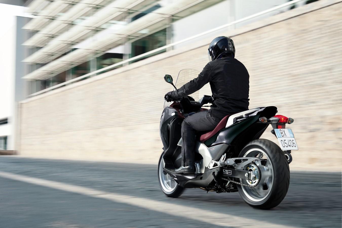 Honda At Eicma 2011 2006 Cbr600rr Behind Left Middle Fairing Fuse Box Diagram