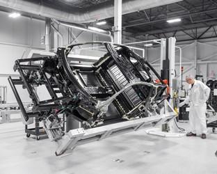 Honda kündigt Start der Serienfertigung des NSX 2017 für April 2016 an