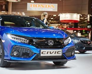 Honda setzt Erfolgskurs in Europa fort: Civic Fünftürer und Type R Prototyp im Rampenlicht auf dem Automobilsalon in Paris