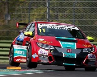 Avec sa Honda Civic, le Suisse Kris Richard devient  Champion d'Europe des voitures de tourisme 2016 (FIA ETCC)