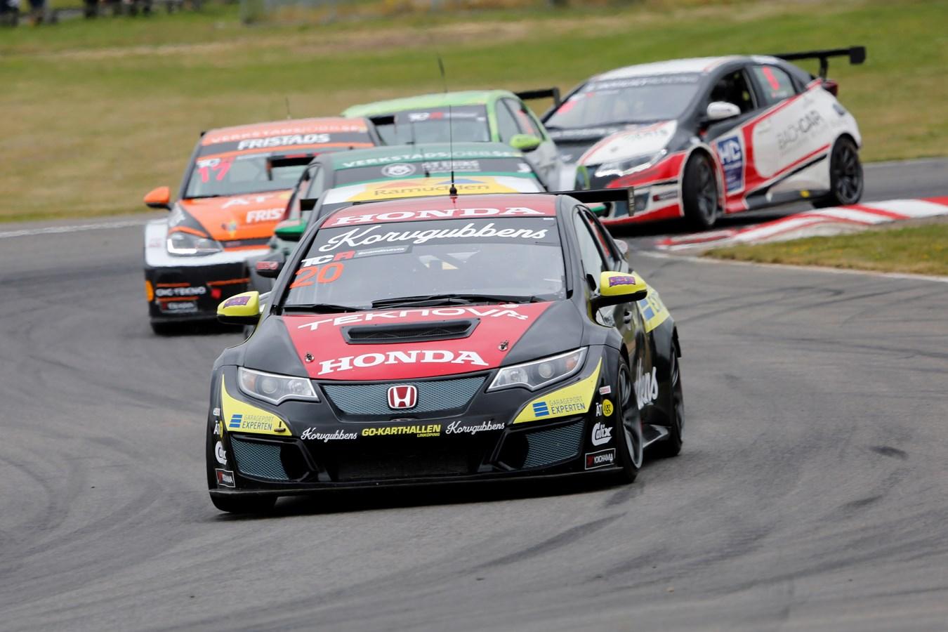 Mattias Andersson och Honda kör för pallplats i Karlskoga